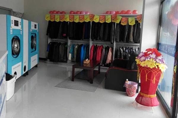 开干洗店该怎么选购干洗设备